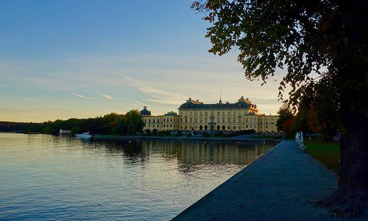 Cung điện Drottningholm lúc bình minh