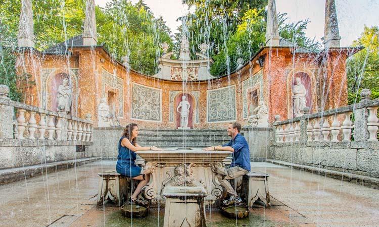 Đài phun nước tuyệt đẹp trong cung điện Hellbrunn