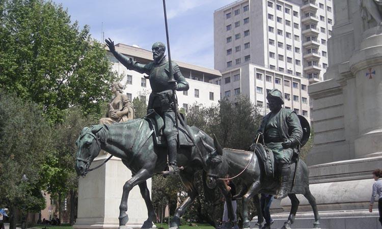 Đài tưởng niệm Miguel de Cervantes