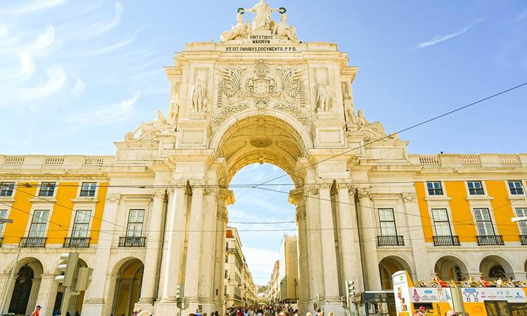 Cùng chiêm ngưỡng khải hoàn môn Arco da Rua Augusta tráng lệ