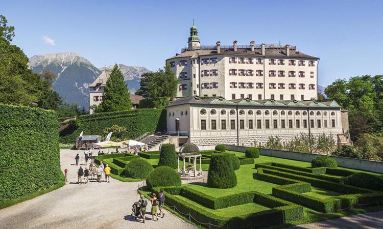 Kiến trúc của lâu đài Ambras