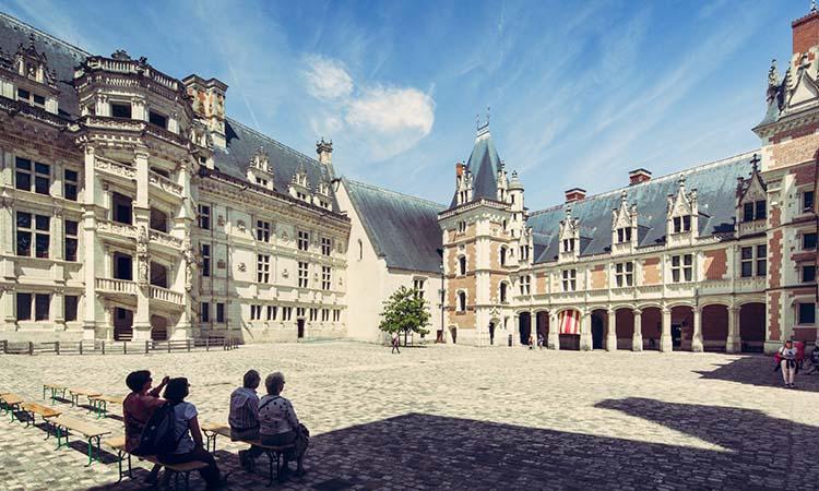 Kiến trúc lâu đài Blois