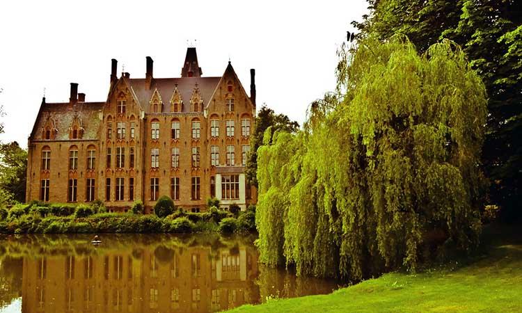 Lâu đài Loppem cổ kính