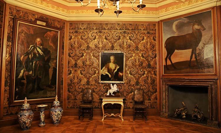 Nội thất sang trọng trong lâu đài Moritzburg
