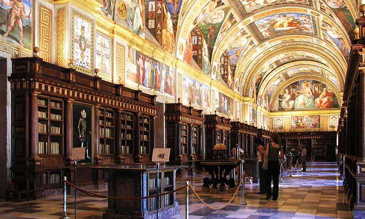 Thư viện trong lâu đài San Lorenzo de El Escorial