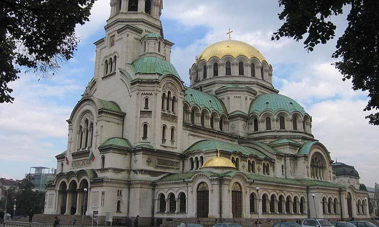 Cổng vào nhà thờ Alexander Nevsky