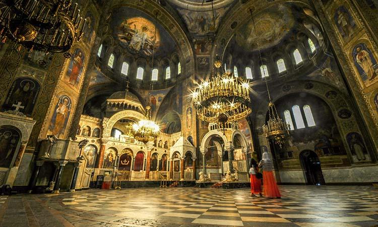 Nội thất của nhà thờ Alexander Nevsky