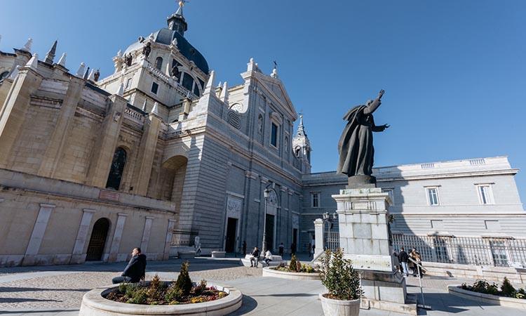 Nhà thờ Catedral de la Almudena