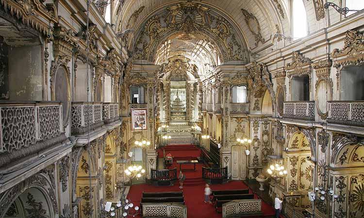 Nội thất nhà thờ Igreja do Carmo