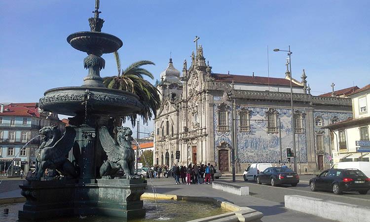Nhà thờ Igreja do Carmo, Porto