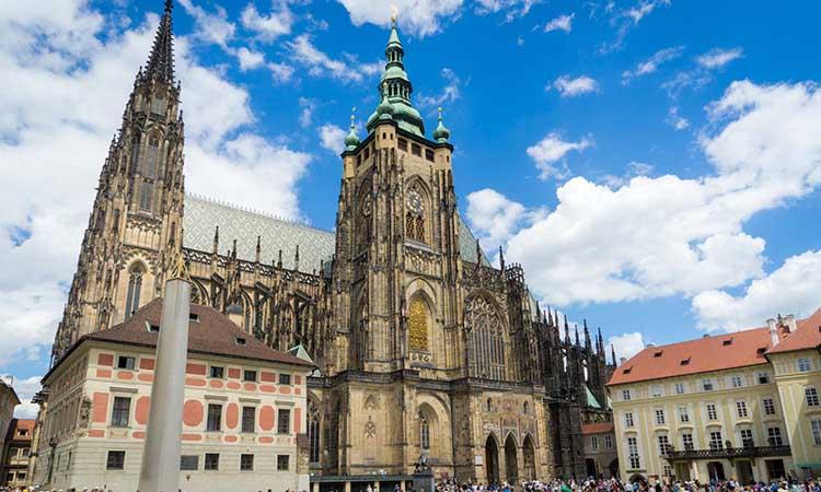 Vẻ đep cổ kính của nhà thờ St.Vitus