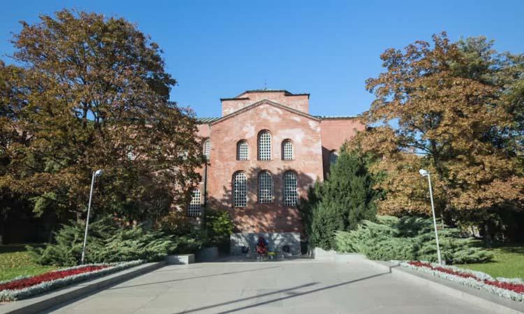 Saint Sofia là một trong những nhà thờ cổ nhất còn hoạt động ở châu Âu