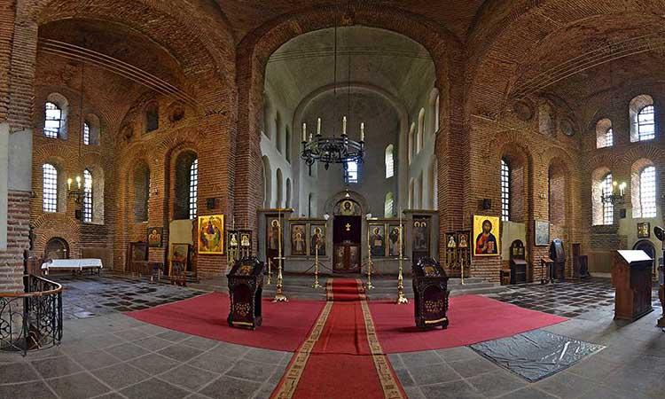 Nội thất trong nhà thờ Saint Sofia