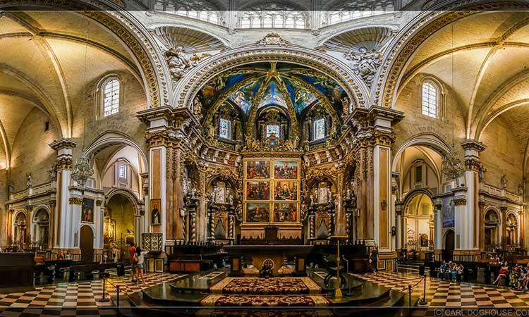 Nội thất nhà thờ Valencia
