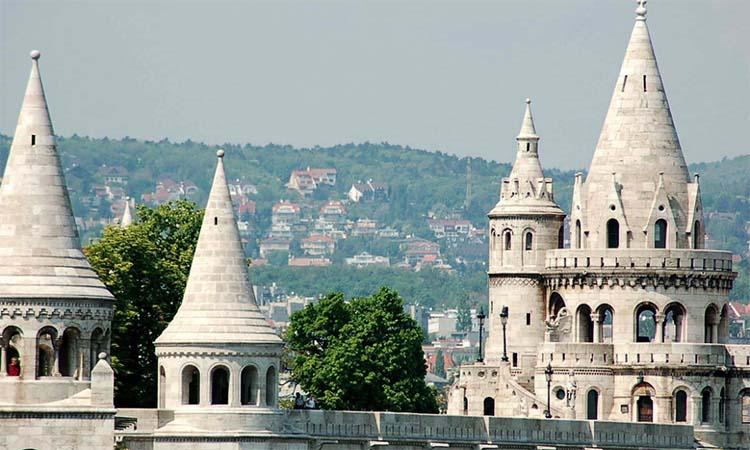 Các ngọn tháp trên pháo đài Fisherman