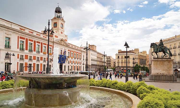 Quảng trường Puerta del Sol