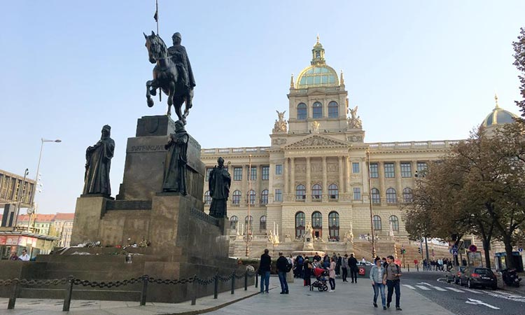 Bức tượng điêu khắc nổi bật nhất trên quảng trường Wenceslas