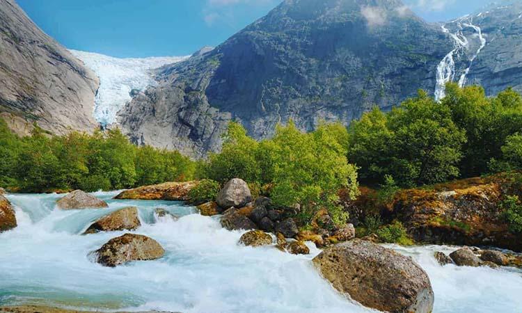 Sông băng Briksdal Glacier
