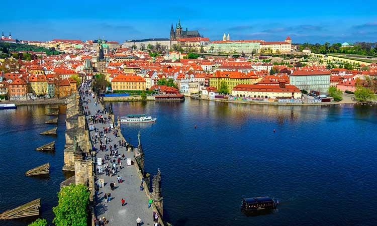 Ngắm cảnh Prague từ sông Vltava