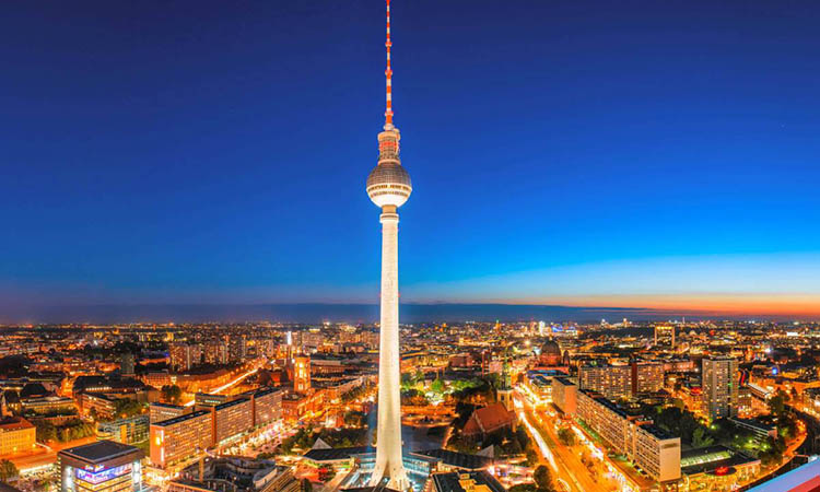 Tháp truyền hình Berlin có chiều cao ấn tượng