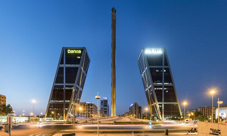 Tòa tháp đôi Kio Torres