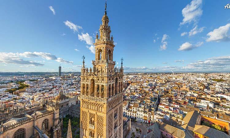 Tòa tháp La Giralda