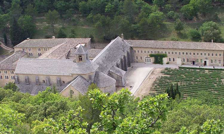 Tu viện Abbaye de Sénanque nằm ở đâu?