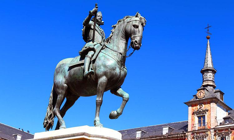 Tượng vua Felipe III