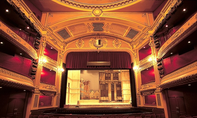 Nội thất nhà hát kịch Metz