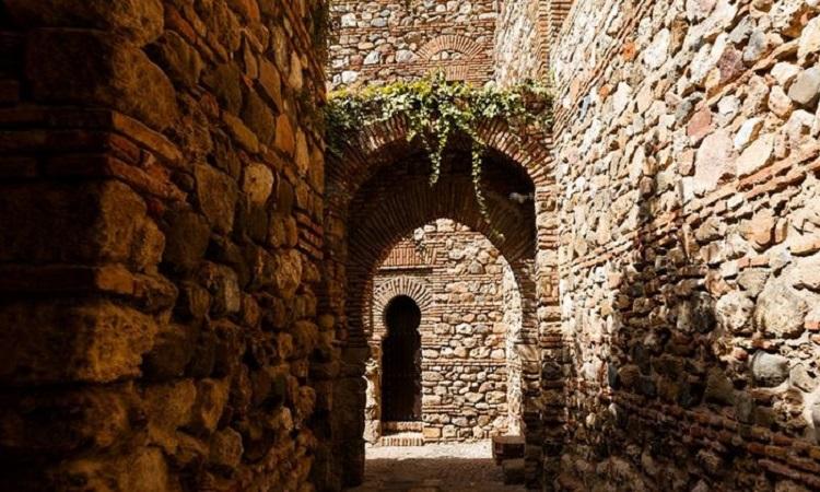 Lối đi bên trong pháo đài