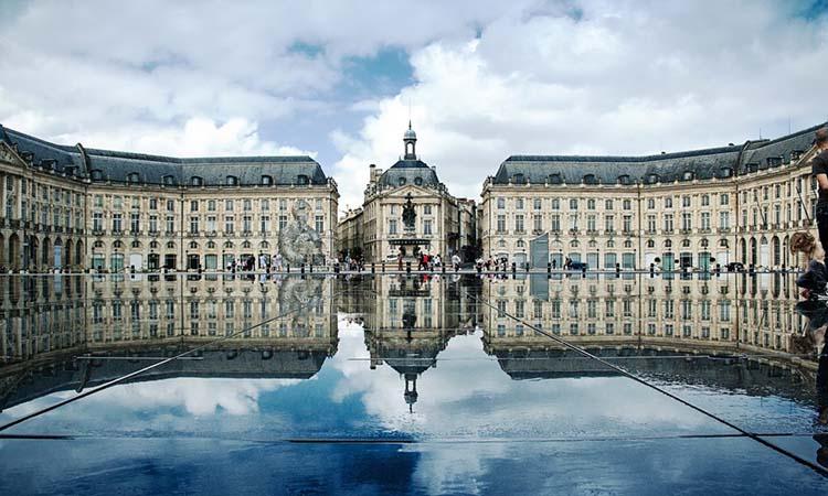 Quảng trường Place de Bourse