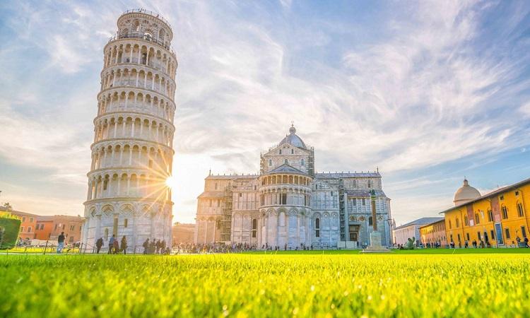 Tháp nghiêng Pisa, Công trình nghiêng nổi tiếng thế giới