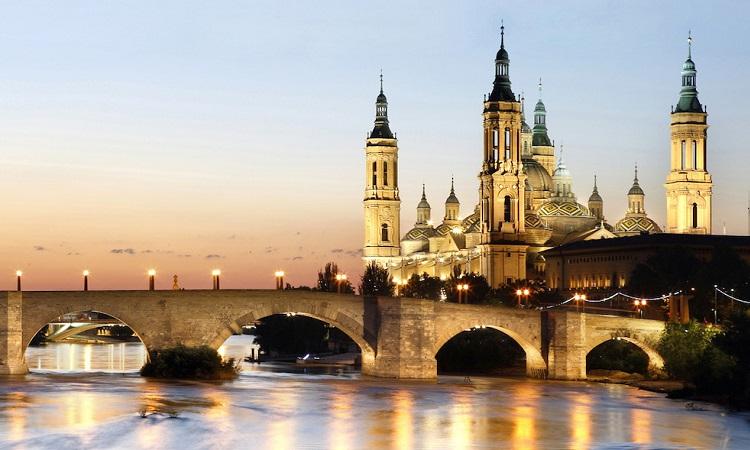 Công trình được coi là biểu tượng của Zaragoza