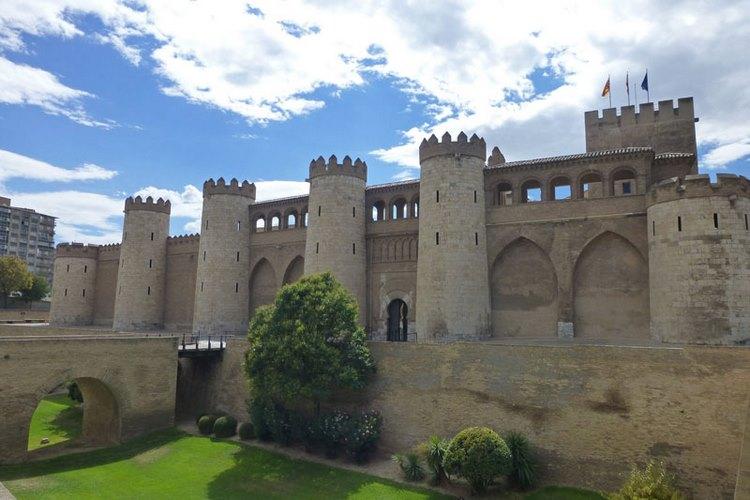 Cung điện Palacio de la Aljaferia