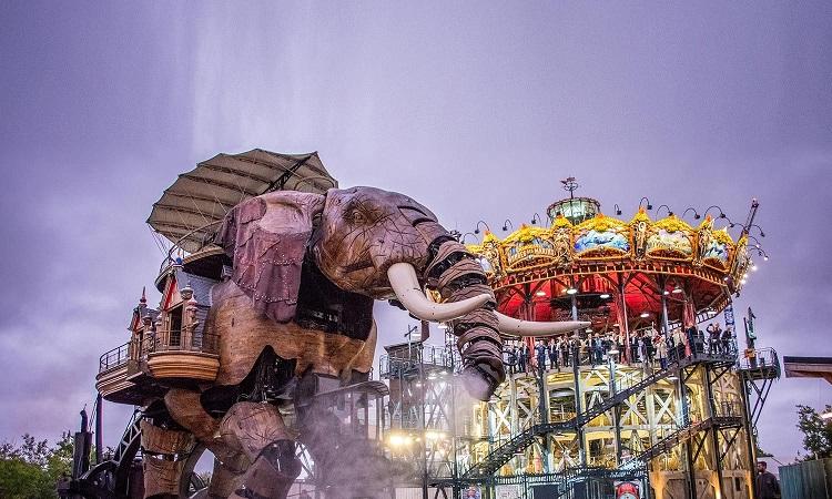 Con voi máy nổi tiếng nhất các cỗ máy Les Machines de L'ile
