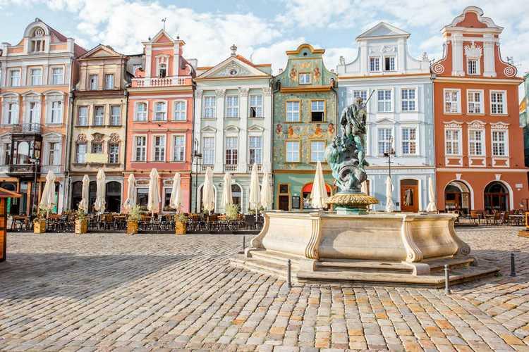 Old-Market-Square-Poznan