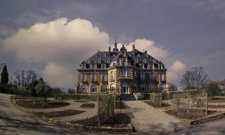 Vẻ nguy nga của lâu đài Namur