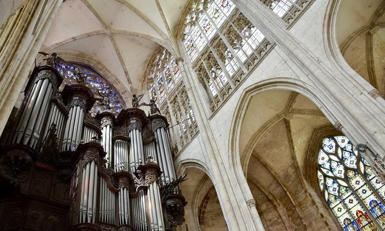 Kiến trúc mái vòm phong cách Gothic