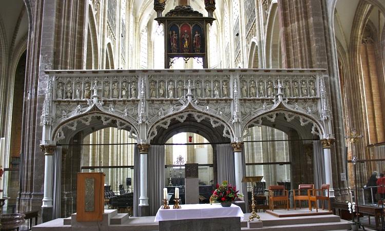 Bên trong Nhà thờ Sint-Pieterskerk