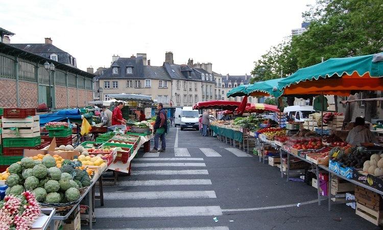 Những buổi chợ truyền thống Provencal, Saint Tropez nổi tiếng
