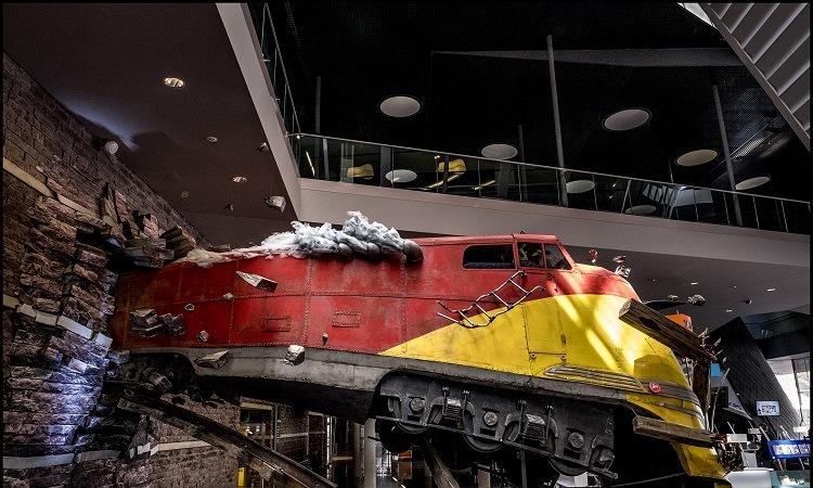 Mô hình tai nạn tàu điện được trưng bày
