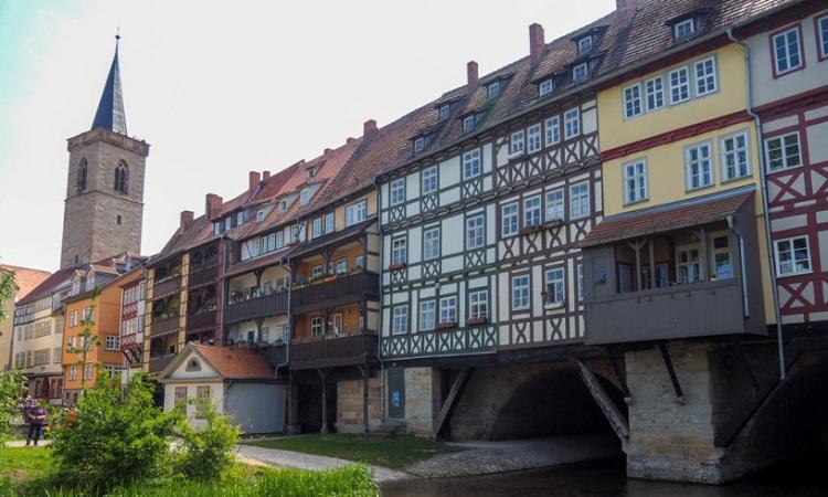 Cầu Krämerbrücke trông như một tòa nhà