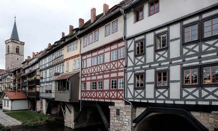 Krämerbrücke là cây cầu đặc biệt bậc nhất thế giới khi có nhà và người ở trên đó