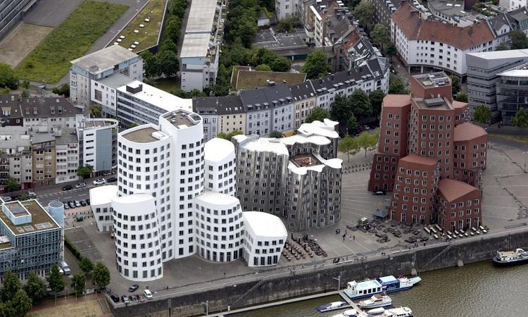 Khu phố Neue Zollhof