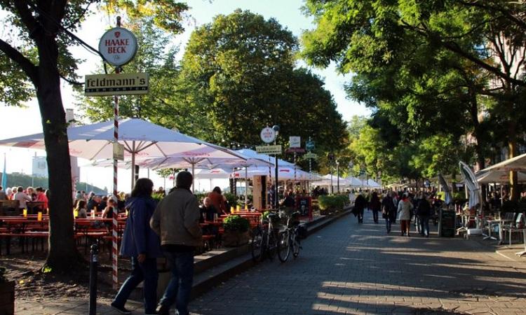 Chợ Kajenmarkt thu hút du khách
