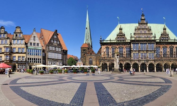 Quảng trường Marktplatz hiện đại ngày nay vẫn còn nhiều công trình kiến trúc lâu đời