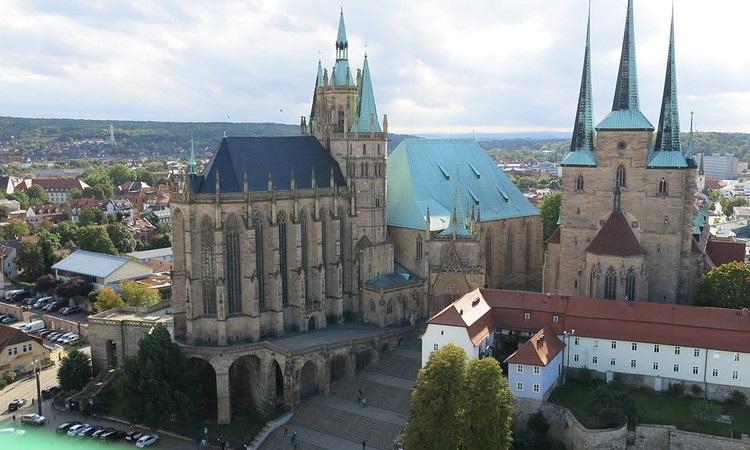 Nhà thờ St. Severus nhìn từ 1 điểm cao