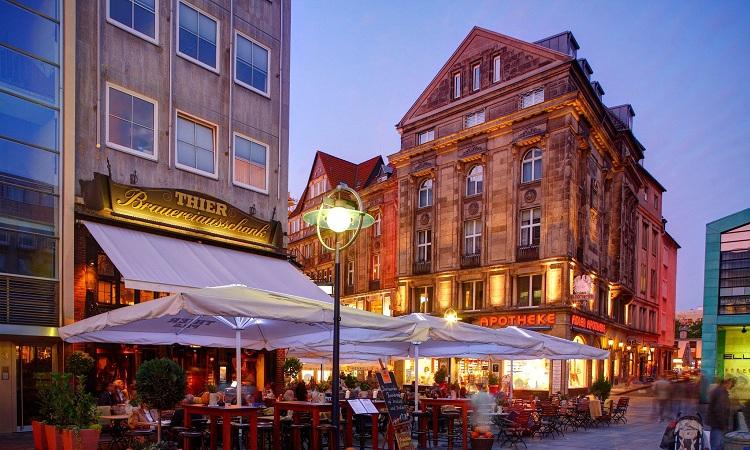Nơi đây là một trong những địa điểm trung tâm của chợ Giáng sinh Dortmund