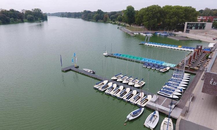 Bến thuyền trên hồ Aasee