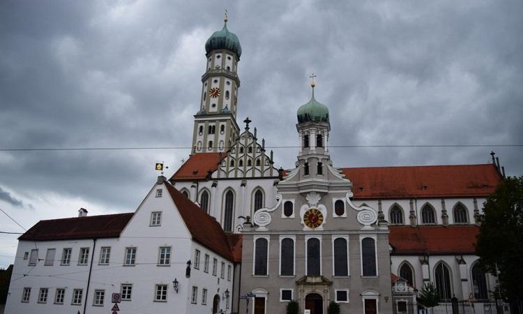 Nhà thờ St. Ulrich và St. Afra